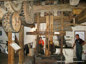 de molen in werking